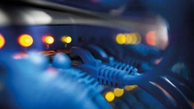modem-connection-port-macro-624x351