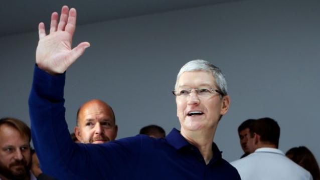 Apple-CEO-Tim-Cook-TechFoogle