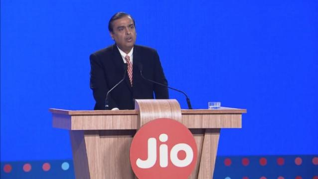 Mukesh-Ambani-Reliance-Jio-announcement-2-624x351